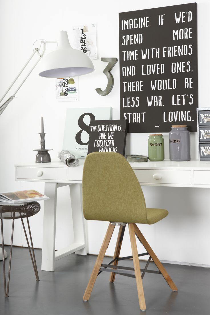 Spoinq stoelen maken je werkplek direct een stuk eigenwijzer! Variëren kan in stof; materiaal en type onderstel. #hetkabinet #spoinq #olijf