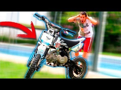 ME REGALA PATTY UNA MOTO DE CROSS POR MI CUMPLEAÑOS !!! - VER VÍDEO -> http://quehubocolombia.com/me-regala-patty-una-moto-de-cross-por-mi-cumpleanos   	 Patty: Twitter: INSTAGRAM  FIDGET SPINNER A MÁXIMA VELOCIDAD !! 1000RPM REVOLVER VS COCA COLA !! (SALE MAL)  SEGUNDO CANAL: MI FACEBOOK:  ME REGALA PATTY UNA MOTO DE CROSS POR MI CUMPLEAÑOS !!!	 Créditos de vídeo a Popular on YouTube – Colombia YouTube channel