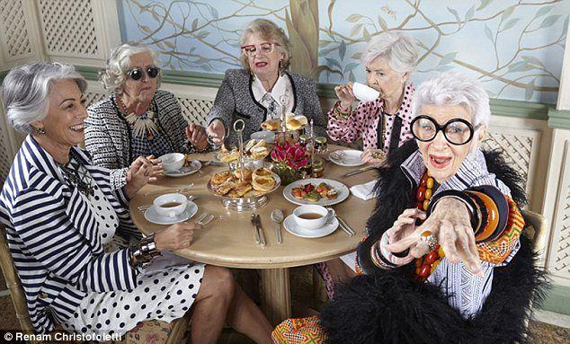 Iris Apfel, 91, poses with esteemed women from Rio's Copacabana neighbourhood