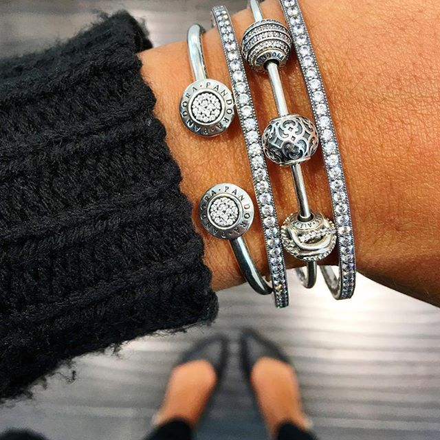 The ability to combine styles and collections is what makes PANDORA so special. Our Signature Open Bangle paired with our Essence Collection and 'Twinkling Forever' Silver Bangles builds a beautiful look. Visit our store today to explore and create your very own special collection. ✨ #PANDORA #myPANDORA #PANDORAbracelet #PANDORArings #PANDORAearrings #PANDORAstyle #Fashion #Jewelry #TheLookOfYou #NewportCentre #JerseyCity #NewYork #MyArmParty