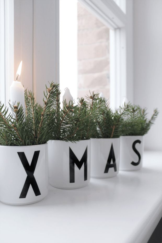 Stunning Christmas Window Decorations Ideas - All About Christmas