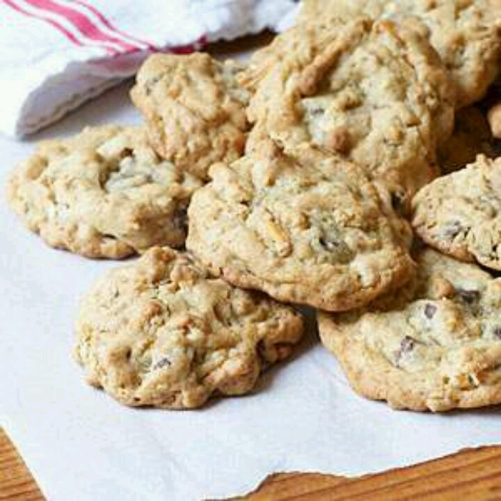 Chocolate chip pretzel cookies | RECIPE BOX | Pinterest