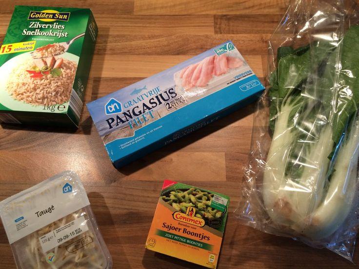 Toevoegen aan mijn receptenZin in een lekker Oosters gerechtje? Dit gerecht met pangasiusfilet, sperziebonen, paksoi, taugé, boemboe en rijst is heel eenvoudig om klaar te maken en is ideaal voor wanneer je eens wilt variëren met vis of Oosterse smaken. Maak hem in maar 25 minuten klaar en waan je in Oosterse sferen. Benieuwd naar …