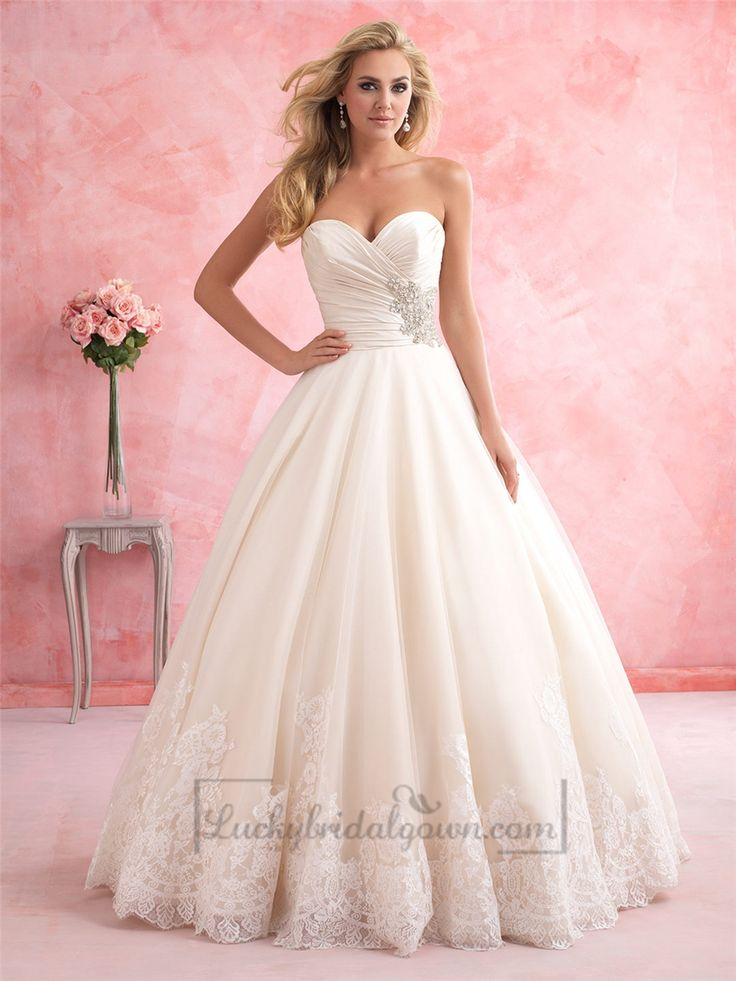 Gorgeous Strapless Sweetheart A-line Wedding Dress