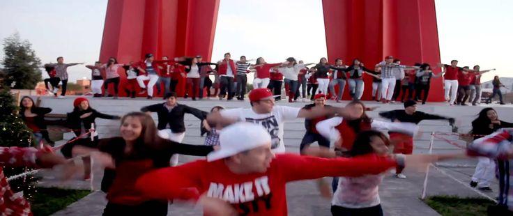 Christmas Flash Mob Justin Bieber - Drummer boy