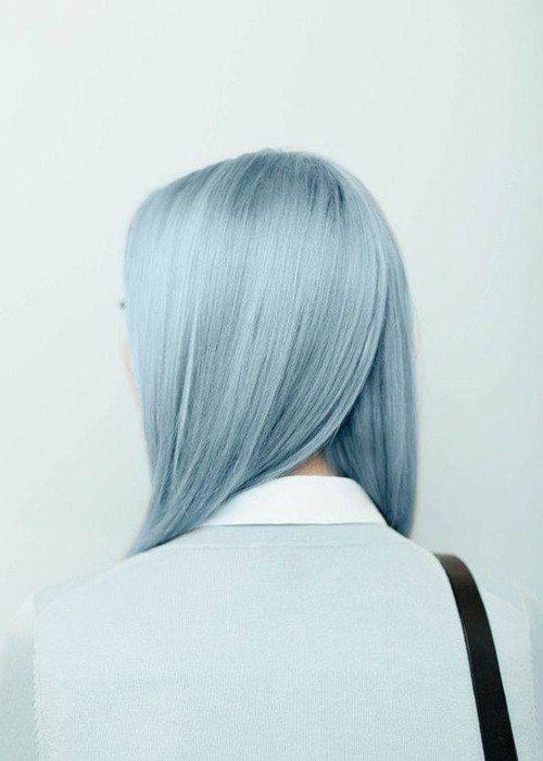 необычный цвет волос, фото со спины, голубые цвета