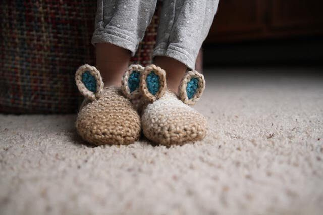 Imagine the pitter-patter of little bunnies as they rush to open holiday gifts. The crochet pattern by @mamacheepatterns for these adorable slippers makes the dream come true. We've teamed up with shop owner Tara to give away two $100 Etsy gift cards. Enter at link in bio until midnight tonight, December 20, for your chance to win! #EtsyGifts  NoPurNec18+EndsDecember20/15Rules:http://etsy.me/rules