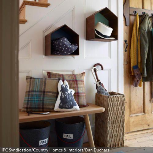 Toddler Bed Rail For Ikea Bed ~ Kleine Boxen in Hausform wurden wie Regale aufgehangen und dienen als