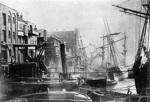 Wapping from Tunnel Pier, London. Date: Unknown