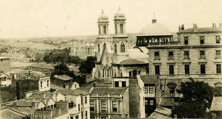 Ayia Triada Kilisesi ve Çevresi Taksim / 1906 http://ift.tt/2uNwNMc