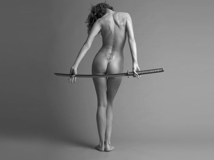 nude martial arts girls with sword photos