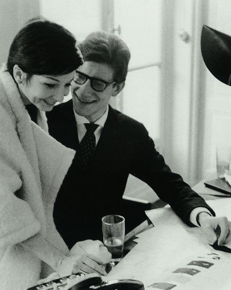 Best 25 zizi jeanmaire ideas on pinterest perlage for Miroir yves saint laurent