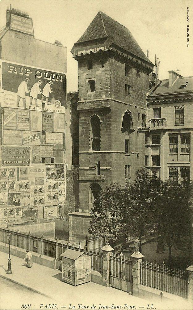La tour Jean-sans-Peur, construite de 1409 à 1411 - 20 rue Etienne-Marcel