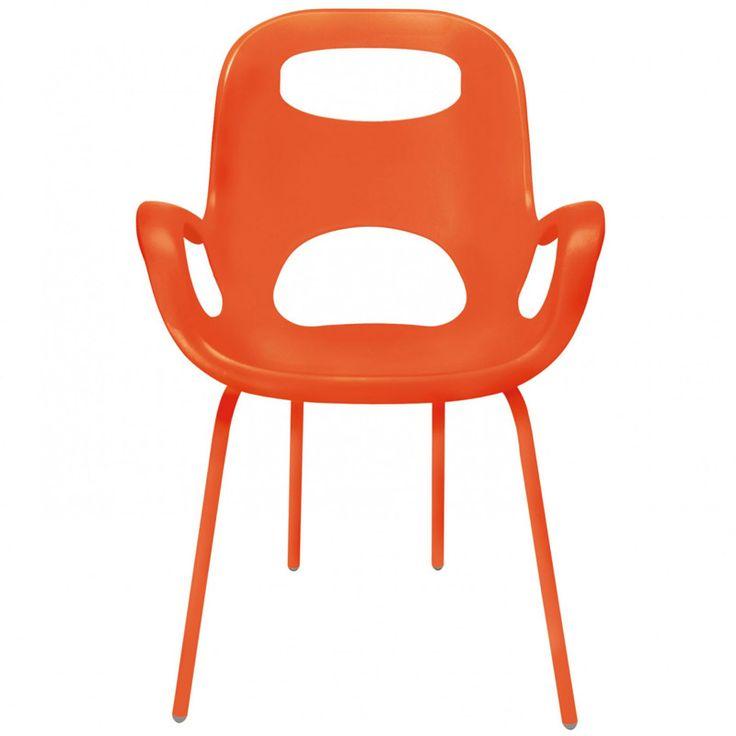 Стильный стул, созданным Каримом Рашидом – гением и признанным гуру промышленного дизайна. Знаете, почему он называется «Oh» (по-русски – «Ого»)? Именно это вы воскликните, когда сядете и ощутите приятные объятия этого стула! Смешав классику и ретрор-шик, Карим Рашид создал простой, но эффектный предмет мебели. Сиденье из прочного полпиропилена (выдерживает до 136 кг), со специальным матовым покрытием плюс ножки того же цвета, на концах оснащенные нейлоновыми протекторами – благодаря им стул…