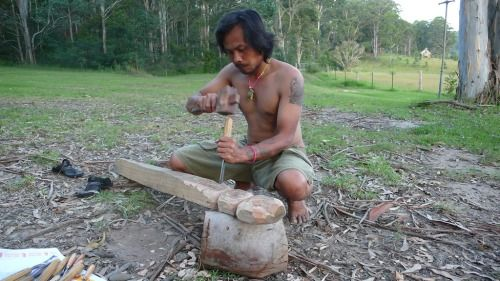 Djuwadi carving while on residency at Bundanon, Arthur Boyd's estate, Australia 2006.