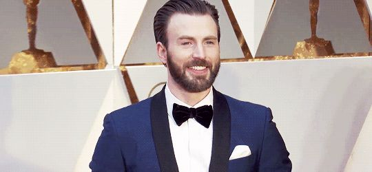 Its-Wicked-Stuff — nalianova:   Chris Evansat Oscars 2017 red...