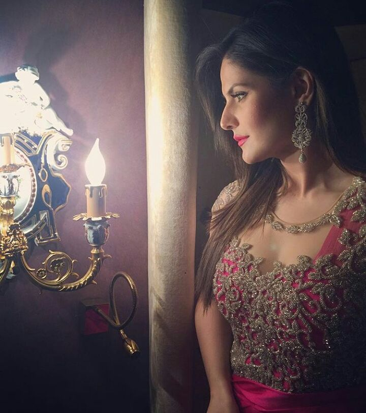 Actress Zareen Khan looking very gorgeous and beautiful  @punjabimedia . . . #punjabimedia #pollywood #punjabi #jatt #elantemall #diljitdosanjh #sukhnalake #gippygrewal #jassigill #babbalrai #gururandhawa #delhi #chandigarh #ludhiana #amritsar #moga #jalandhar #jassibabbalteam  #navneetdhillon #saragurpal #sonambajwa#simrankaurmundi #sheetalthakur #deepikapadukone #thekapilsharmashow #himanshikhurana #gauaharkhan #himanshikhurana#zareenkhan by punjabimedia