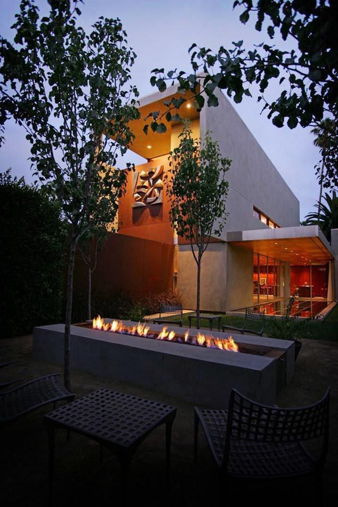 Eye Catching Modern Outdoor Fireplaces Turn The Patio Into A Dreamy Retreat Eyes Patio And