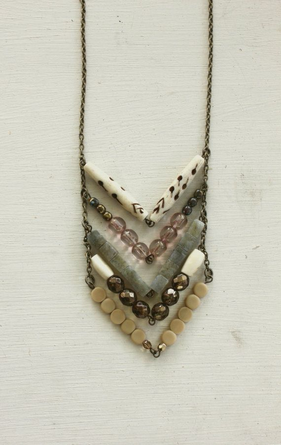 Chevron necklace made of bone, glass, brass, stone and luella (?). . . . ღ Trish …   – Basteln