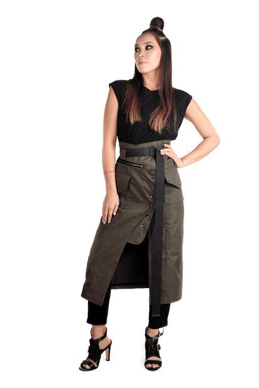 Кушак можно пристегнуть к подолу и носить как самостоятельную юбку!