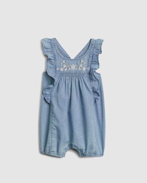 56645c435 Peto vaquero de bebé niña Gap en azul · GAP · Moda · El Corte Inglés