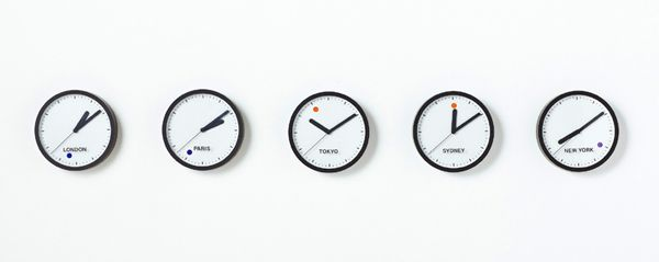 おしゃれなデザインのおすすめ掛け時計、置き時計33選【インテリア】 | Web Design Magazine