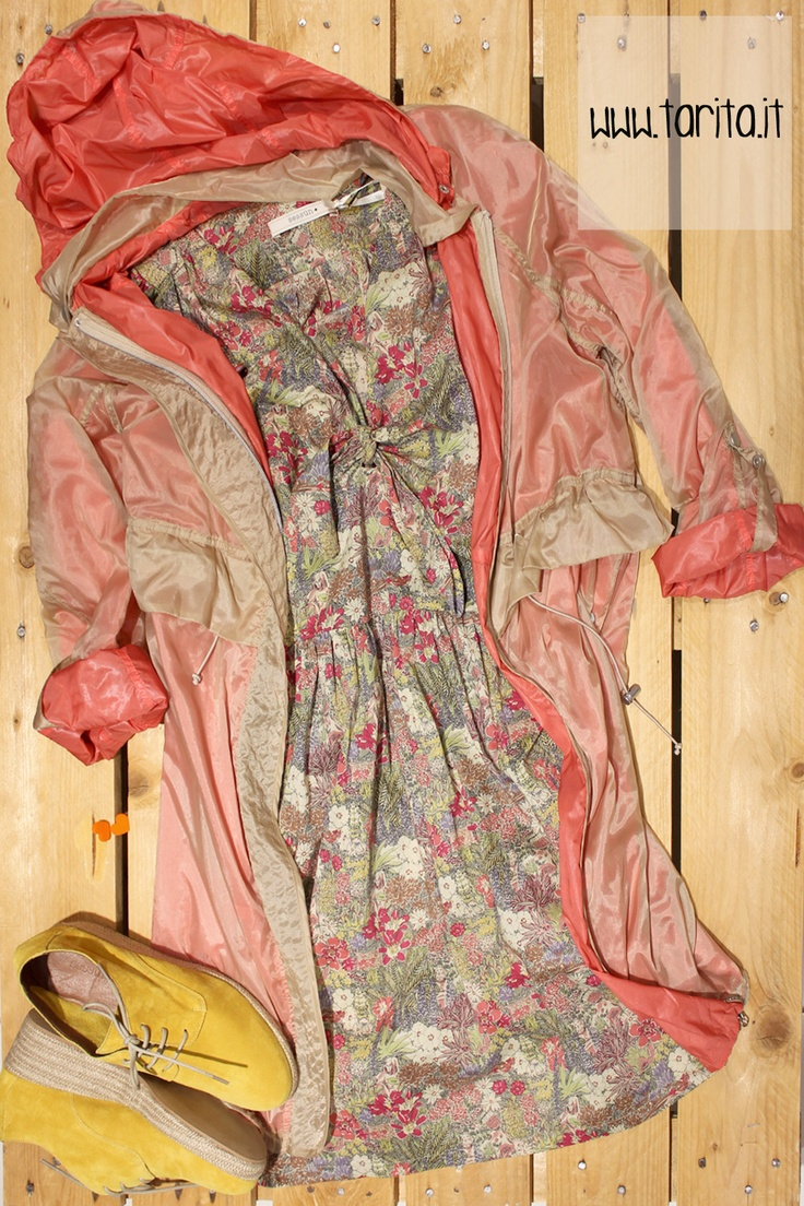Tarita look 16. Neon orange raincoat, Hoss Intropia + printed cotton dress, Sessùn + yellow suede wedges, Sessùn