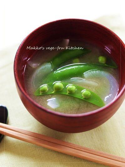 スナップエンドウと新玉ねぎの味噌汁 by makko(北島真澄)さん | レシピ ...