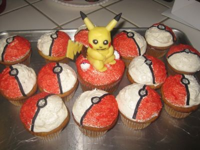Pokemon | Little Delights Cakes.....i love the Poke' Ball Design on the Cupcakes