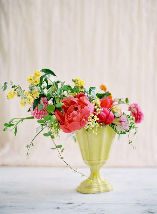 perfect little arrangement // flowers by Amy Osaba // photography by Jose Villa