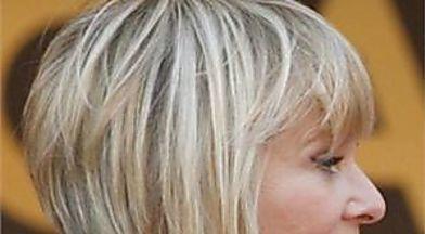 Ayez l'air plus jeune avec ces 6 astuces de cheveux
