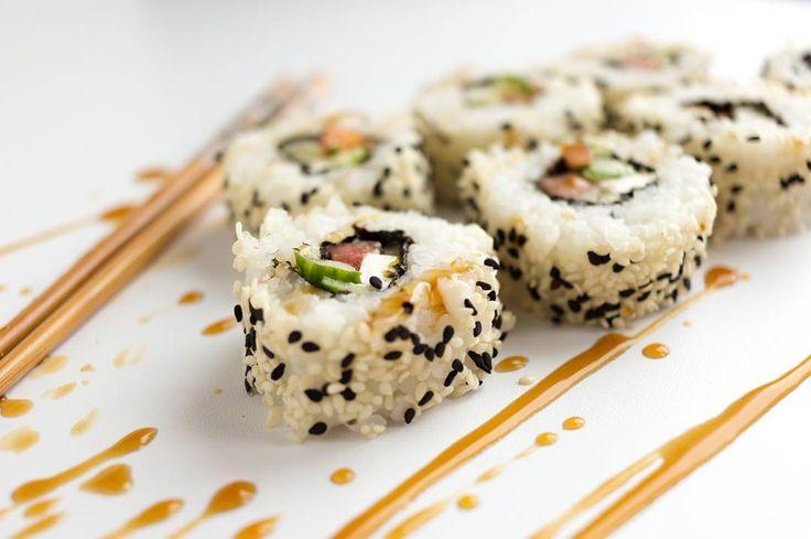Я уже признавалась что люблю суши. Как я рада что перейдя на вегетарианство я научилась готовить все любимые блюда из разных кухонь мира. И вас могу научить! #lenavolkovahome #lenavolkovasession