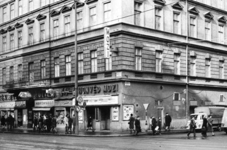 1970-es évek, Rákóczi út Honvéd Mozi