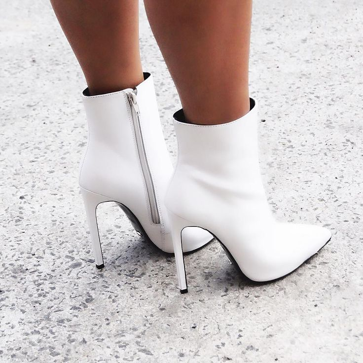 """Say yes to white boots. #freddieboot x #tonybianco"""""""