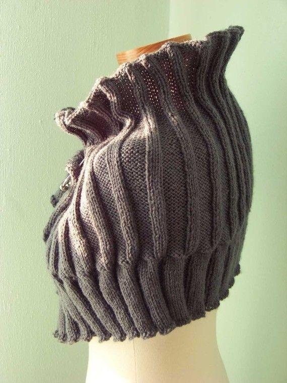 Elegant grey knitted capelet Pattern PDF by BernioliesDesigns