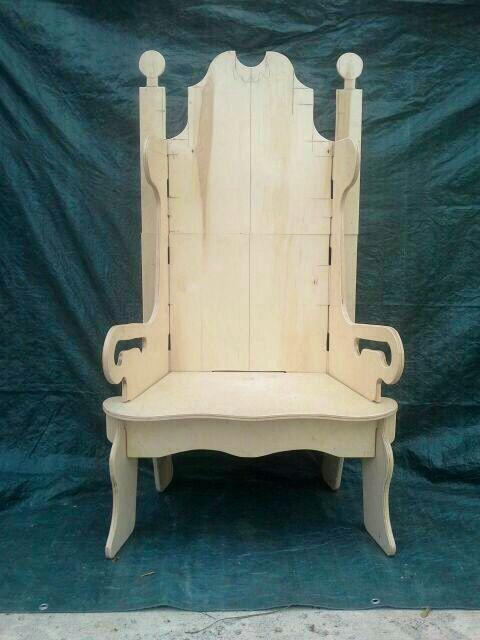 Santa 39 s puzzle throne prototype winterwonderland for Throne chair plans