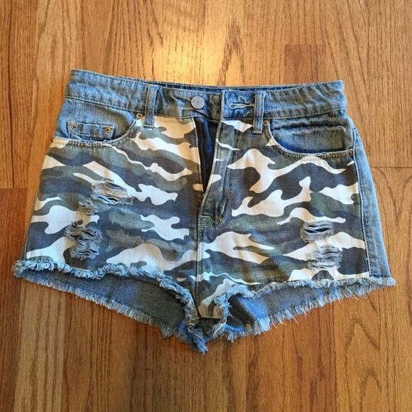 High waisted BDG camouflage shorts Only worn once. Bought from Urban Outfitters BDG Shorts