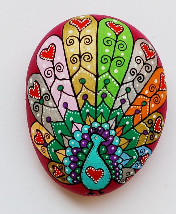 Reserved Hand Painted Stone Peacock por ISassiDellAdriatico en Etsy