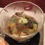 七草 - 料理写真:茄子・蓴菜・モロヘイヤの出汁ジュレ