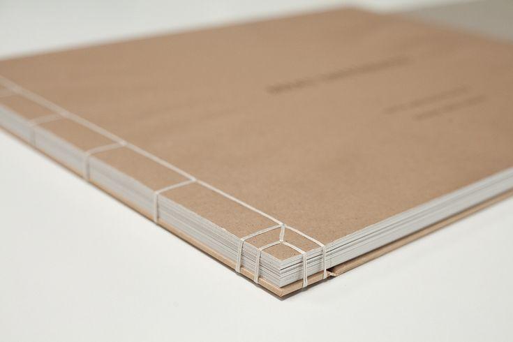 Livre d'artiste, reliure japonaise.  Japanese binding.                                                                                                                                                                                 Plus