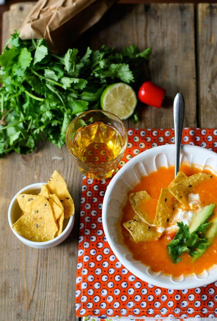 zuppa messicana fredda di pomodoro jpg