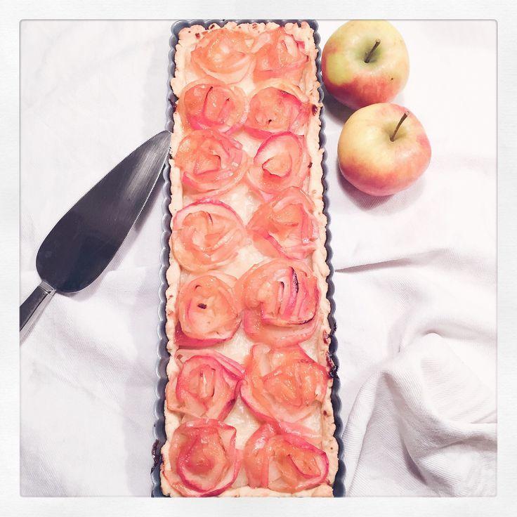 Veganer Apfelrosen-Kuchen