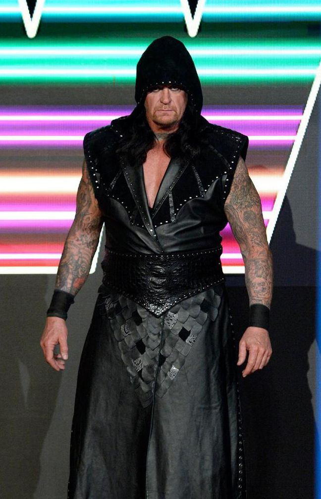 The UnderTaker Return on 25th Anniversary of Monday Night Raw with New Look