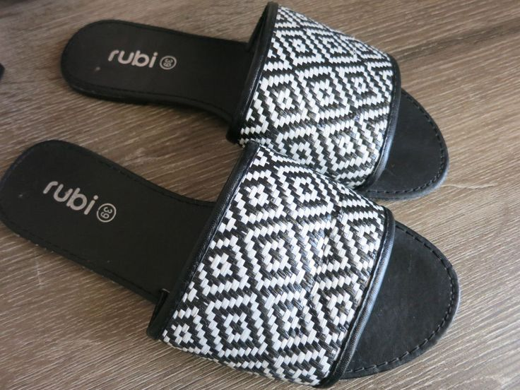 RUBI Ladies Casual Flat Shoes Size 39 Slip On Black White #Rubishoes #Slides #Casual
