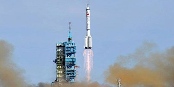 #China launches manned mission to experimental #spacestation