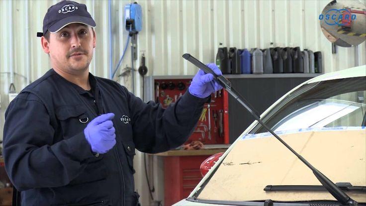 Videotutorial para aprender a sustituir la escobilla del limpiaparabrisas delantero de un Fiat 500. Paso a paso. Descubre más consejos mecánicos como estos en Oscaro.es