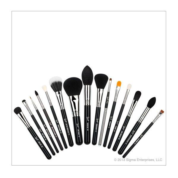 Luksus pakke fra Sigma, med 15 forskellige pensler og børster, samlet i en deluxe brush case. Indeholder 7 pensler til øjenmakeuppen, 5 pensler og børster til ansigtsmakeuppen, 2 conealerpensler og 1 læbepensel.