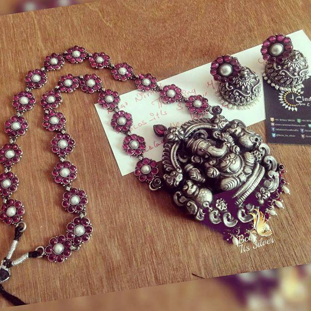 CAN MAKE UPON ORDER... ENQUIRIES TO MAIL OR INBOX. ARTEE.MANIFATTURA@GMAIL.COM #inshot #nagas #handcrafted #handmade #customized #fashion #diva #style #puresilver #jewelrylove #kashmora #kaashmora #rathnamahadevi #spokesnecklace #puresilvernecklace #bcositssilver #necklaceset #Lakshmi #aaram #nakshi #lovely #Ganesha #aaram #nakshi