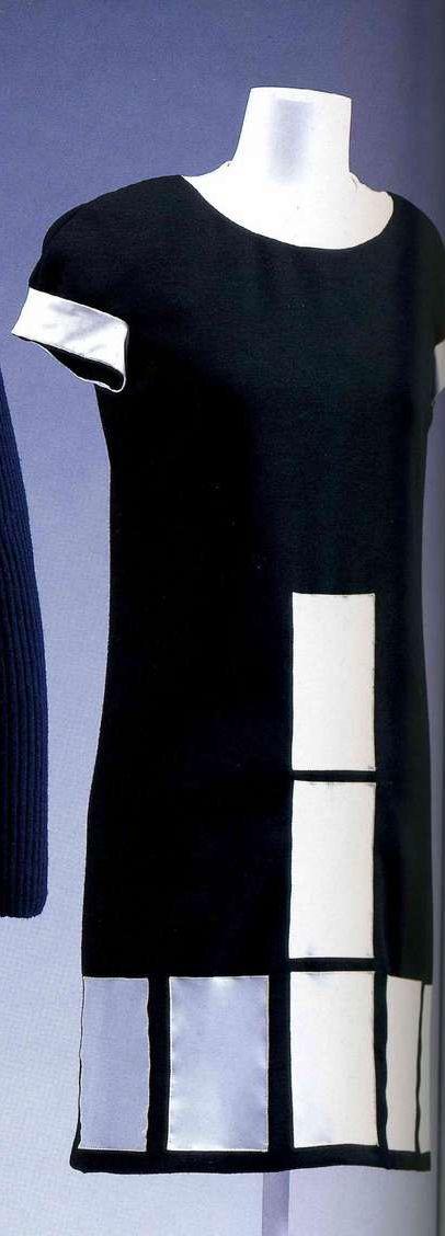 Платье. Пьер Карден, около 1968. Черное шерстяное джерси, мини-платье с декоративными деталями в виде белых виниловых панелей.