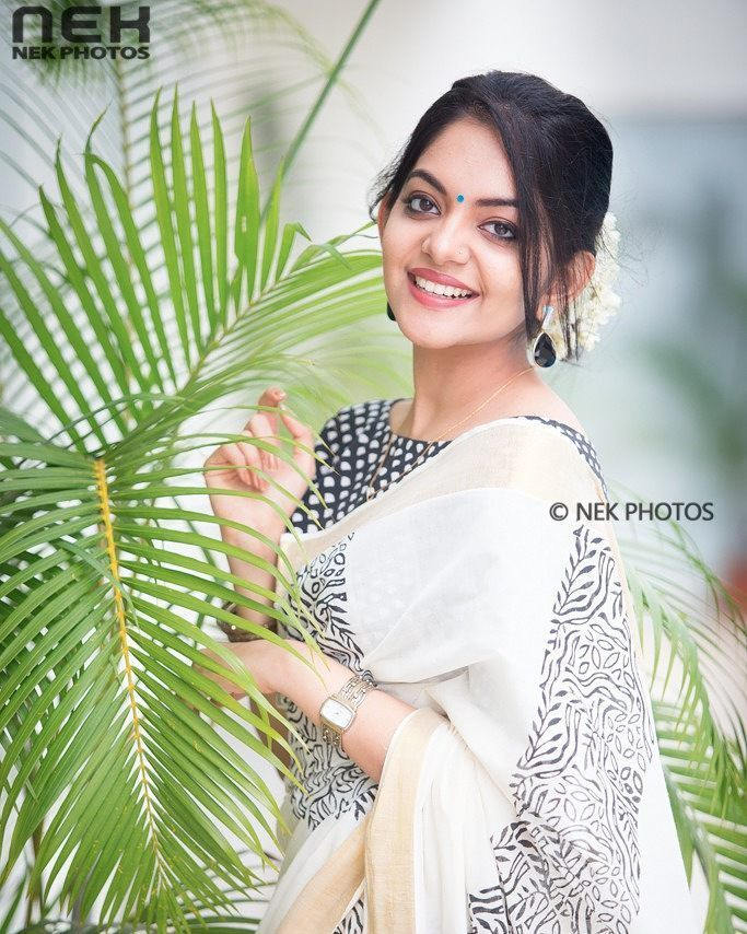 "2,371 Likes, 10 Comments - NEK PHOTOS (@neeleshek) on Instagram: ""Happy Onam dears 😍 The lovely, @ahaana_krishna #ahaanakrishna #actress #happyonam…"""